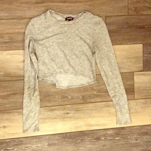 Gray, soft crop top long sleeved